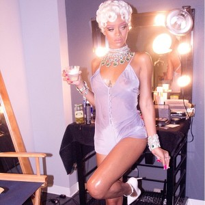 9-making-of-rihanna-pour-it-up-600
