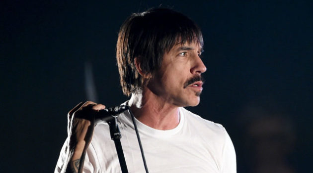 red-hot-chili-peppers-anthony-kiedis-explains-how-he-saved-a-baby-carpool-karaoke-interview-watch-640x427